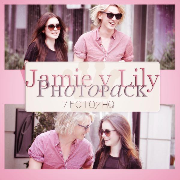 Photopack Jamie C. B. y Lily Collins 001 by DiamondPhotopacks