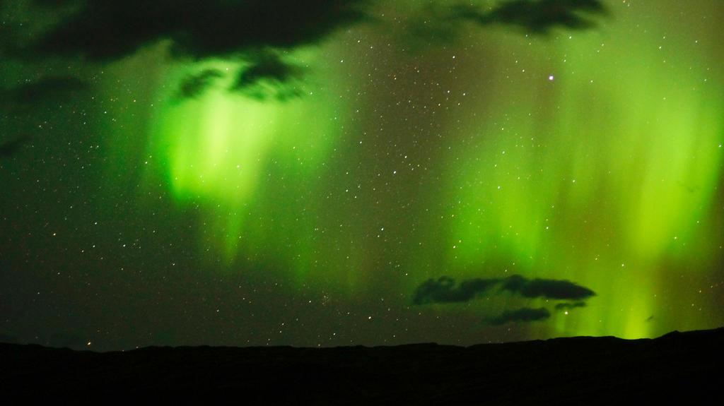 Aurora Borealis iceland by Mathieustern