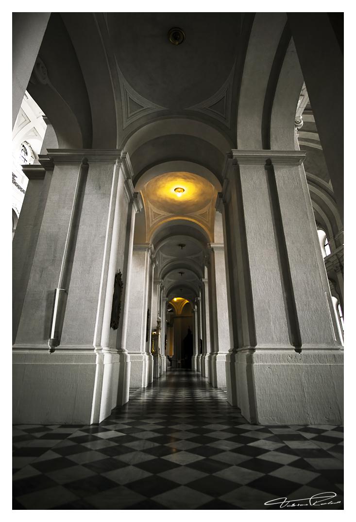 Hofkirche by taenaron