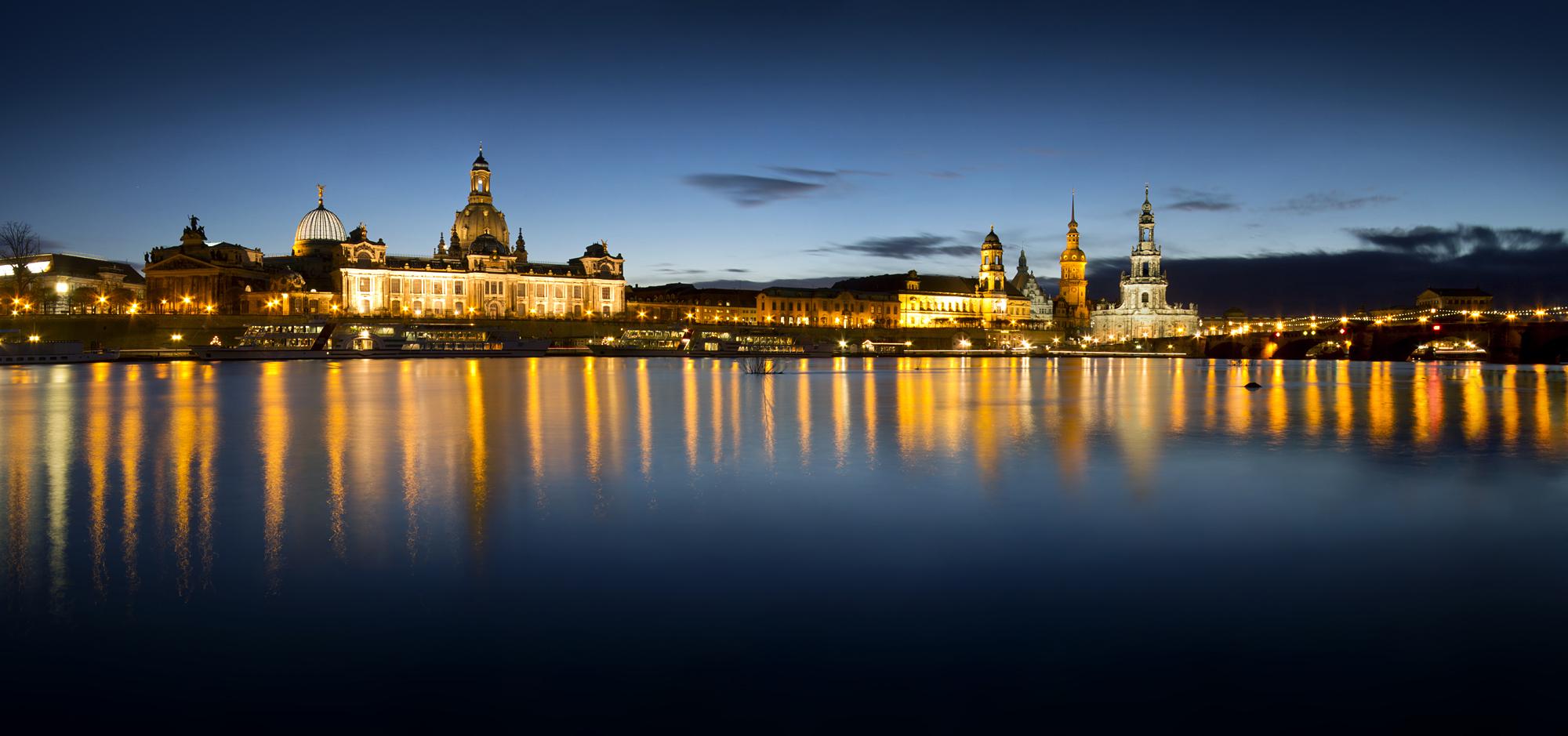 Dresden by taenaron