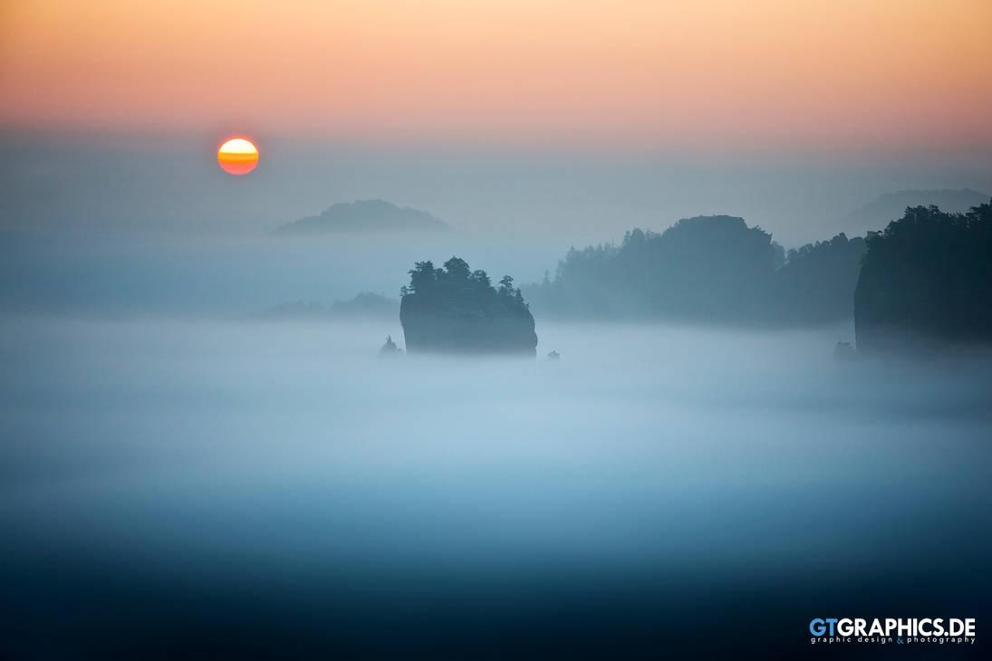 Lonely Island by TobiasRoetsch