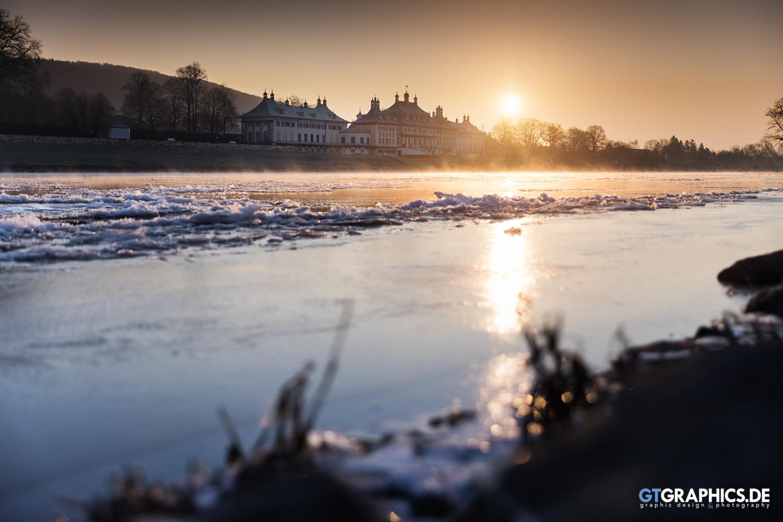 Wintermorgen in Pillnitz by TobiasRoetsch