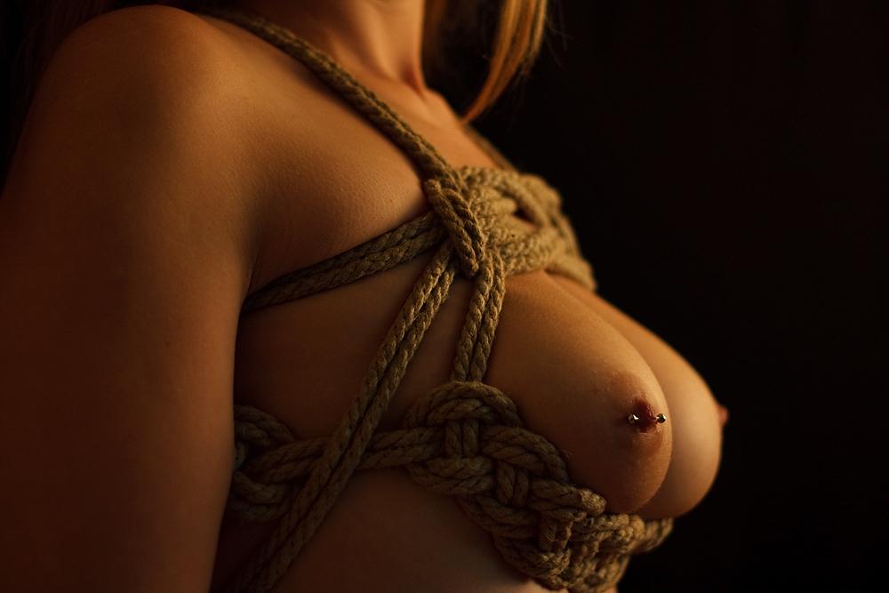 rope outfit Bondage