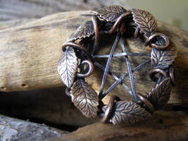 Leaf Wreath Pentacle Necklace by MoonLitCreations