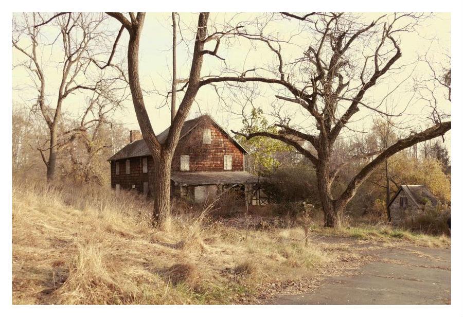 Kuser Estate by Goodbye-kitty975