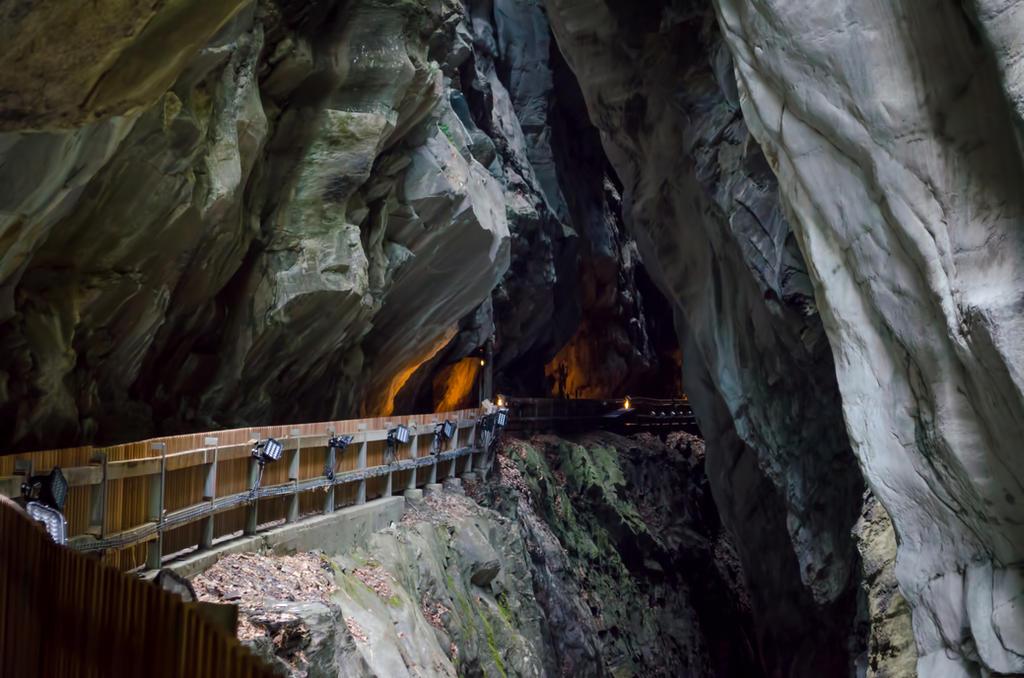 Stock 277 Cave by Einheit00