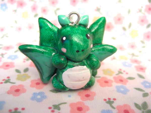 Green Dragon by mAd-ArIsToCrAt