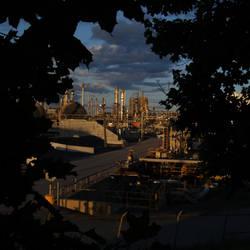 116 - Hidden oil refinery by bernache-solitaire