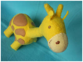 Giraffe Plush by elbooga