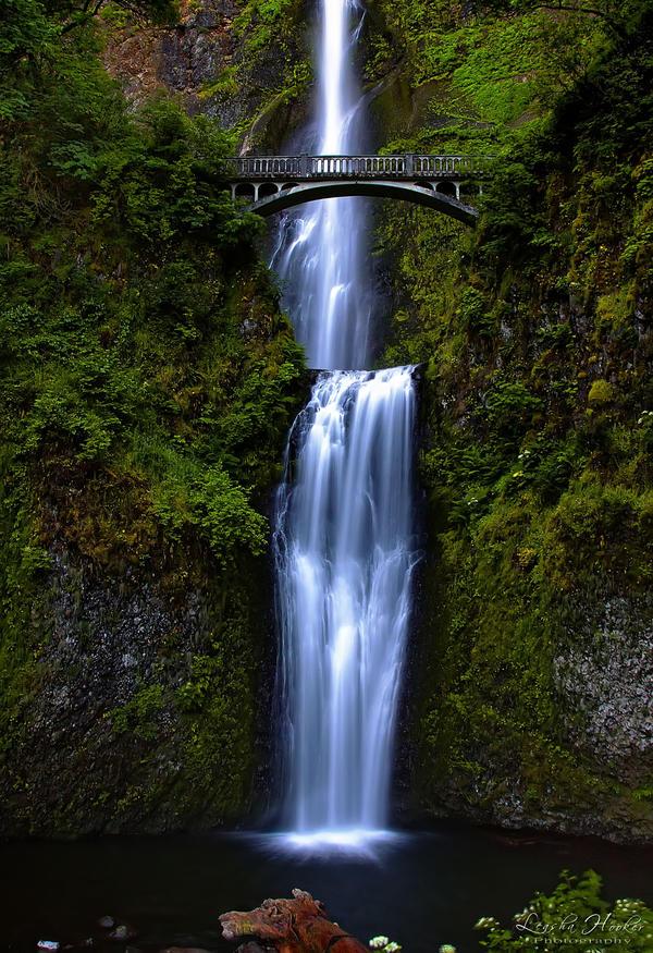 Multnomah Falls by LeashaHooker