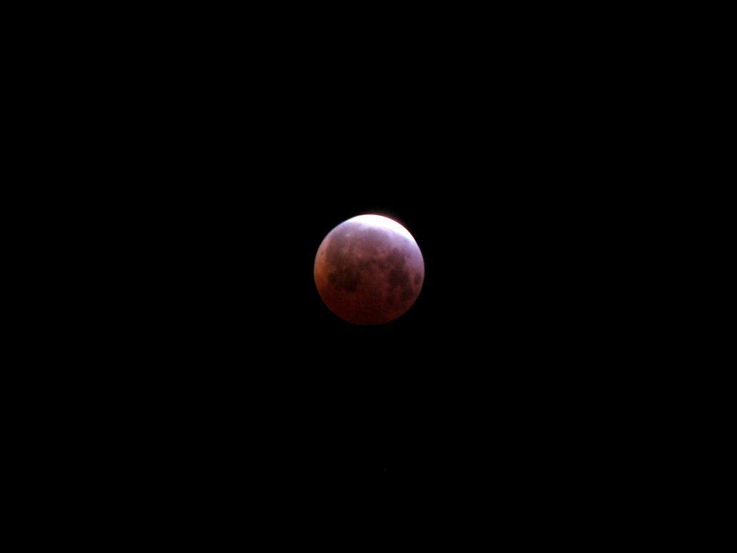Lunar Eclipse by INF3CT3D-D3M0N