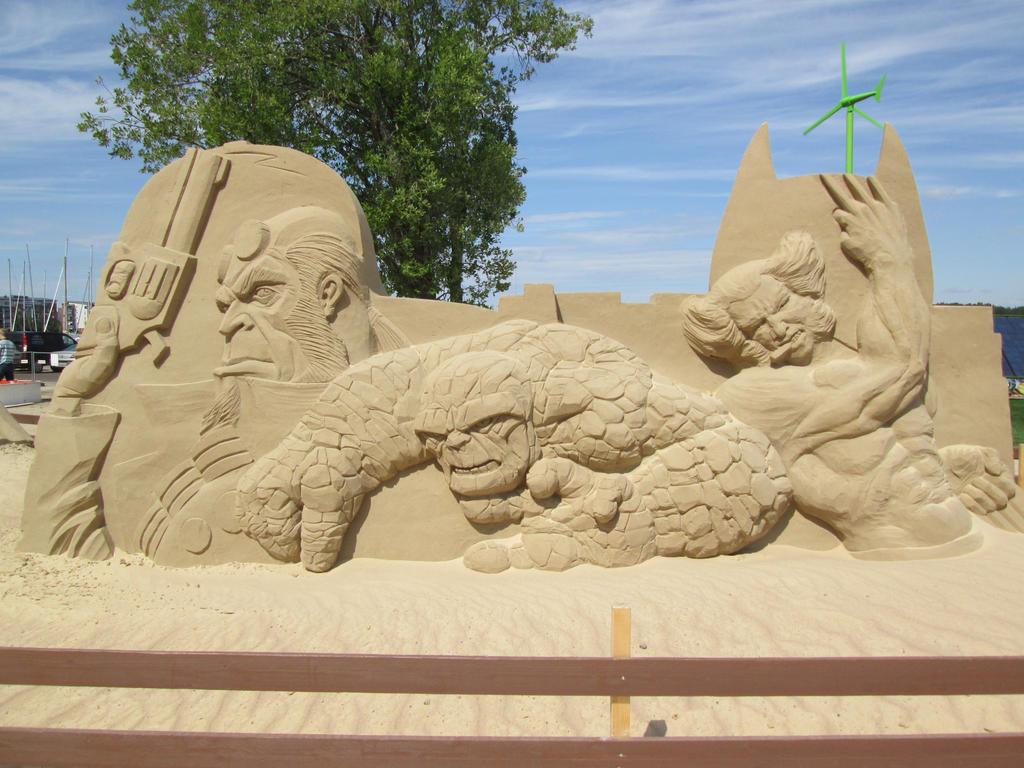 Comic Characters II Sand Sculpture by Bemari
