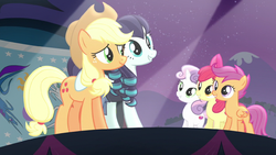 Applejack on stage with Coloratura and the CMC S5E by XaldinWolfgang