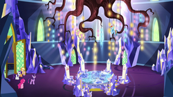 Twilight beholds the throne room chandelier S5E3 by XaldinWolfgang