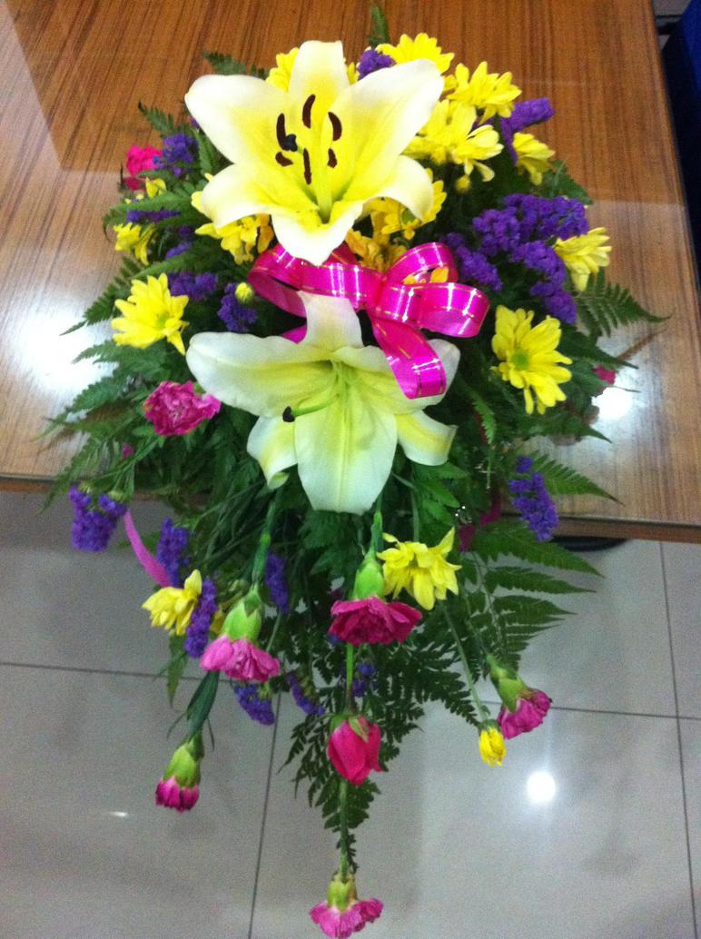 Flower arrangement by missmiakomyori