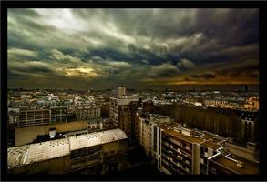 Menace sur la ville by wild-vortex