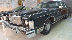 1975-1976 Lincoln Continental Town Car