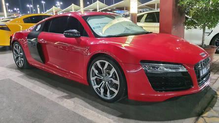 Audi R8 V10 by haseeb312