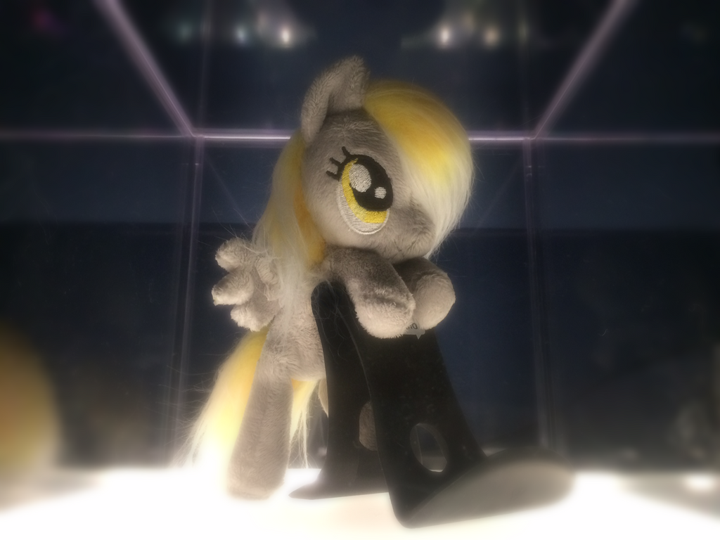 Derpy Standing by itbrti