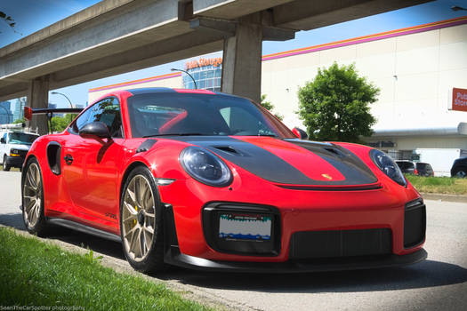 Red GT2 RS