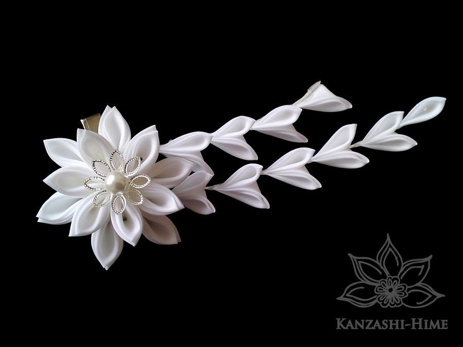 Sparkling White Kanzashi Clip by Kanzashi-Hime