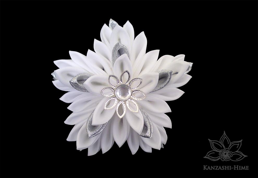 Twinkling Star Kanzashi by Kanzashi-Hime