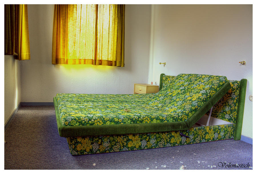 Ugly bed by volkmaritsch on deviantart for Beds 4 u ottery
