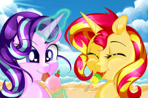 Sunset glimmer at the beach ! by SarAlieng