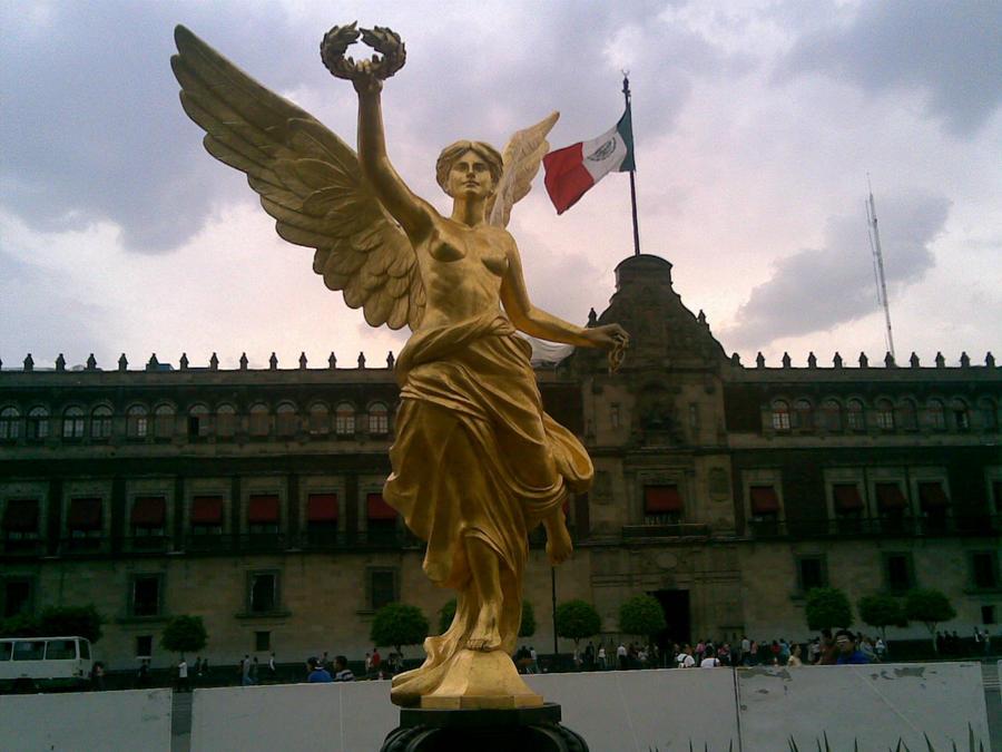 El Angel en el Zocalo by AJcosmo