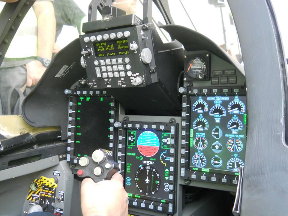 cockpit nuevo pampa III