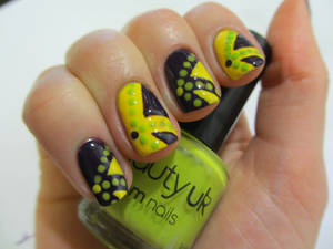 Funky Contrast Nails