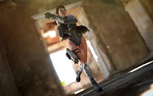 Run Lara Run ! by CakeOne