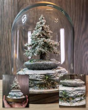 Glassbell winter pine tree