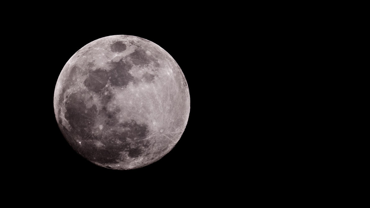 The moon by YgsenddPhoto