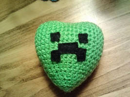Amigurumi Creeper Heart by FuzzyViper