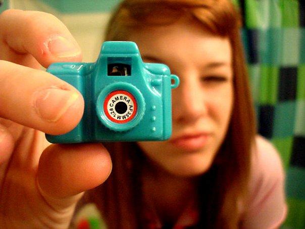 Fake Camera by dropdeadrosie - bir foto�raf �ekilebilirmiyiz?