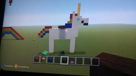 Mine craft unicorn statue by Hypergriff