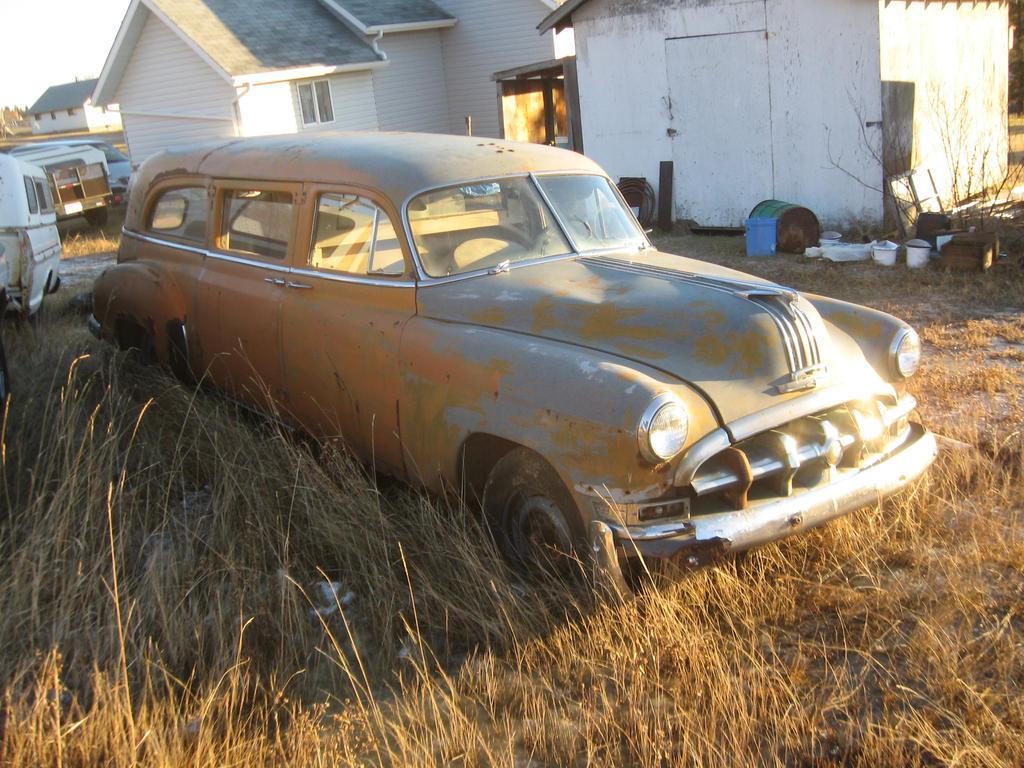 1950_Pontiac_Hearse_by_QuanticChaos1000.jpg