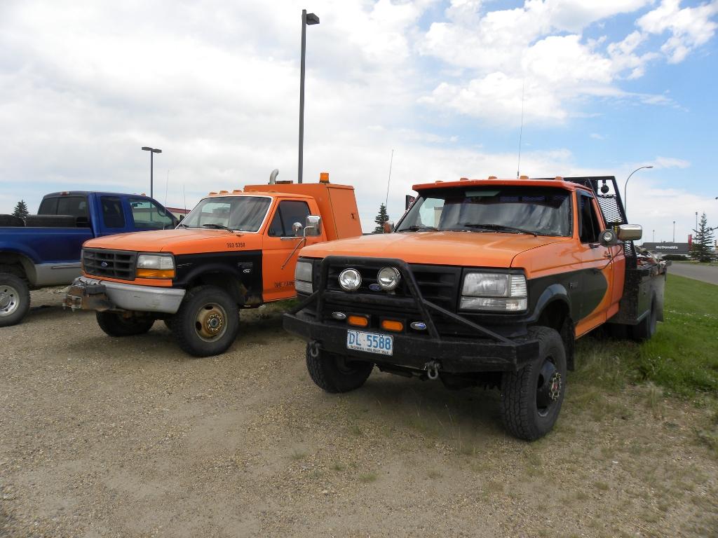 Orange Trucks by QuanticChaos1000