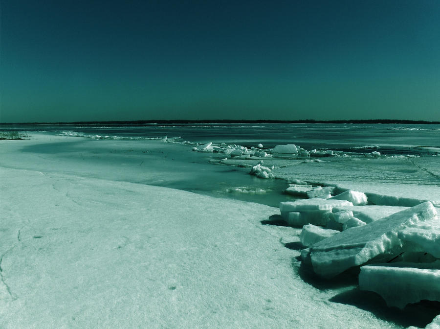 Be set free ~  Ice_beach_by_MellyDesign