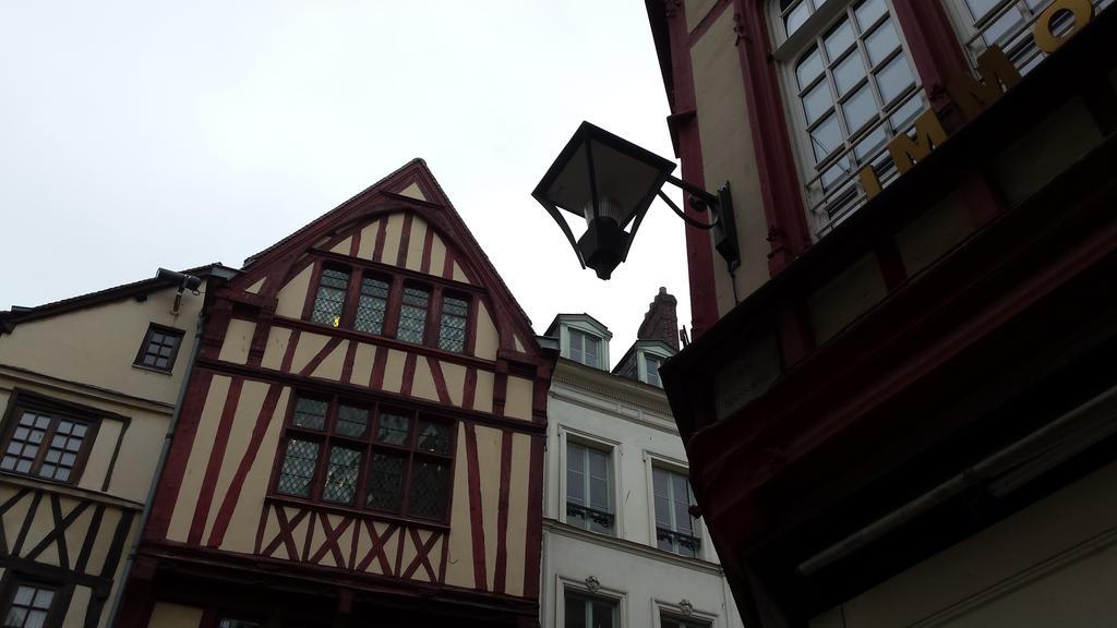 street lamp by solstiziodinverno