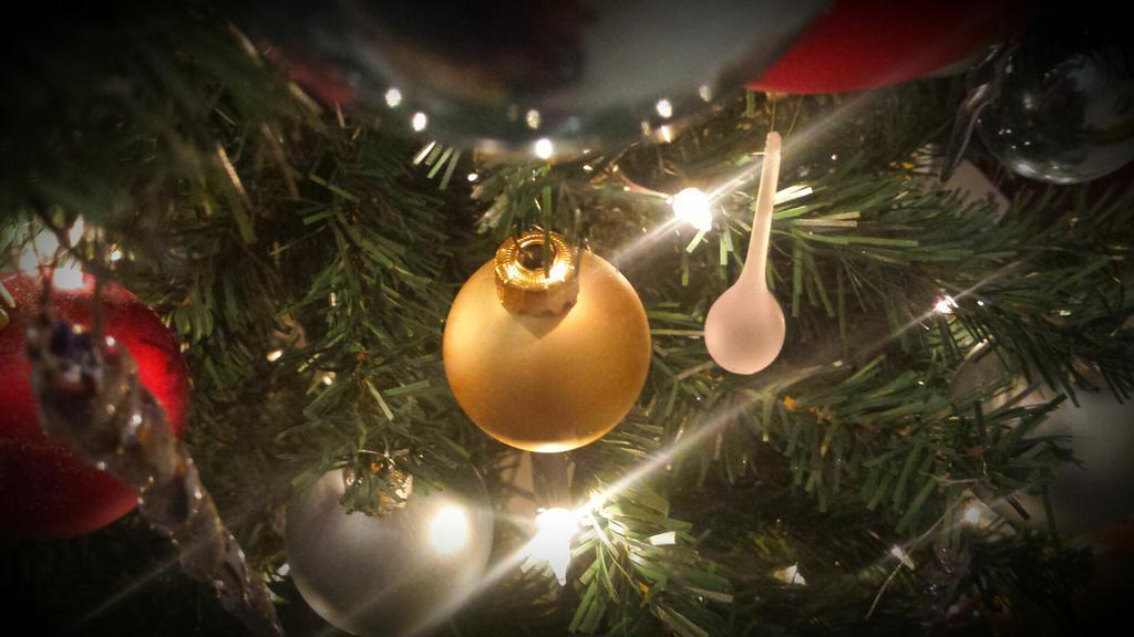 christmas tree by solstiziodinverno