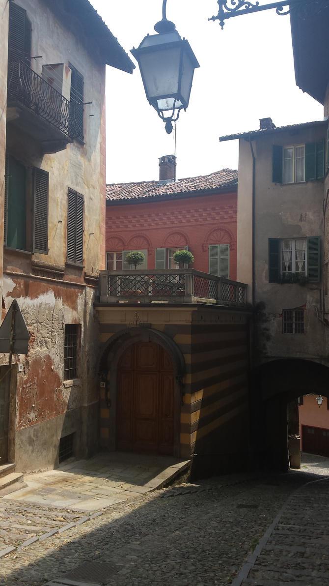 entrance by solstiziodinverno