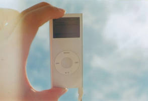 iPod by omlette-du-fromage