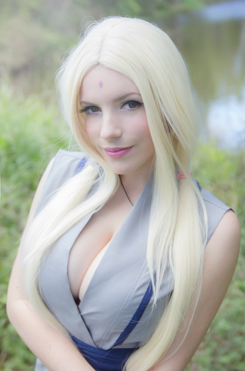 tsunade naked cosplay lady