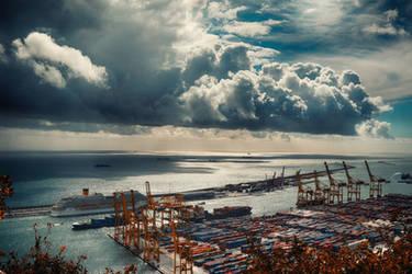 Barcelona harbor by Csipesz