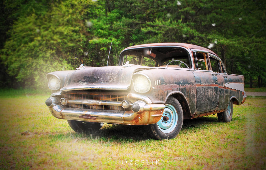 Rusted Car Wallpaper (Colored) by tunaozcelik