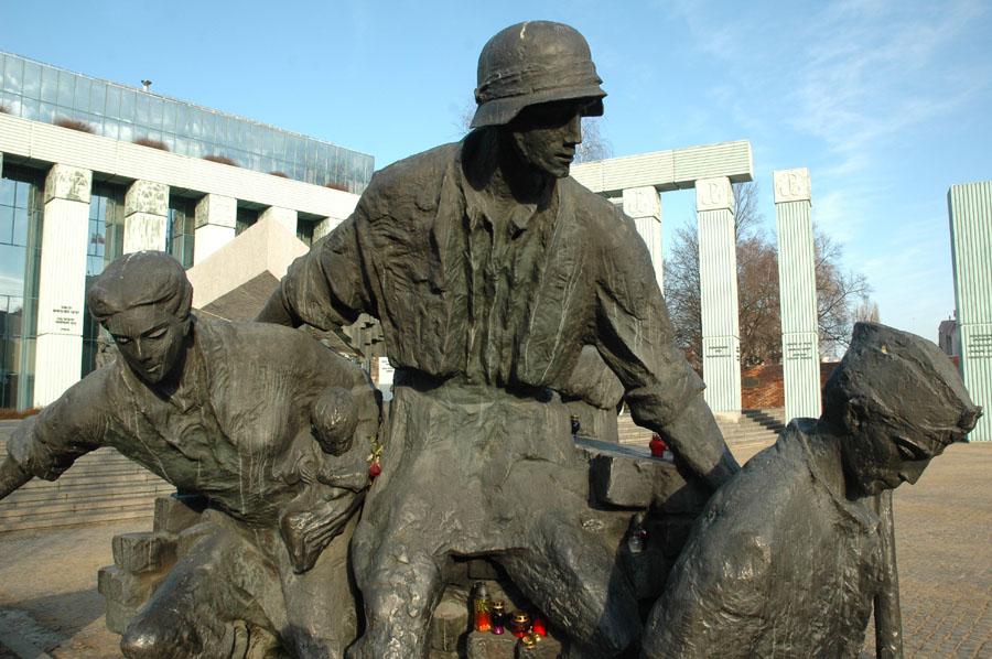 Sculptures of heroes II
