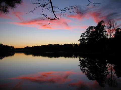 Pink Cloud Lake by taralse