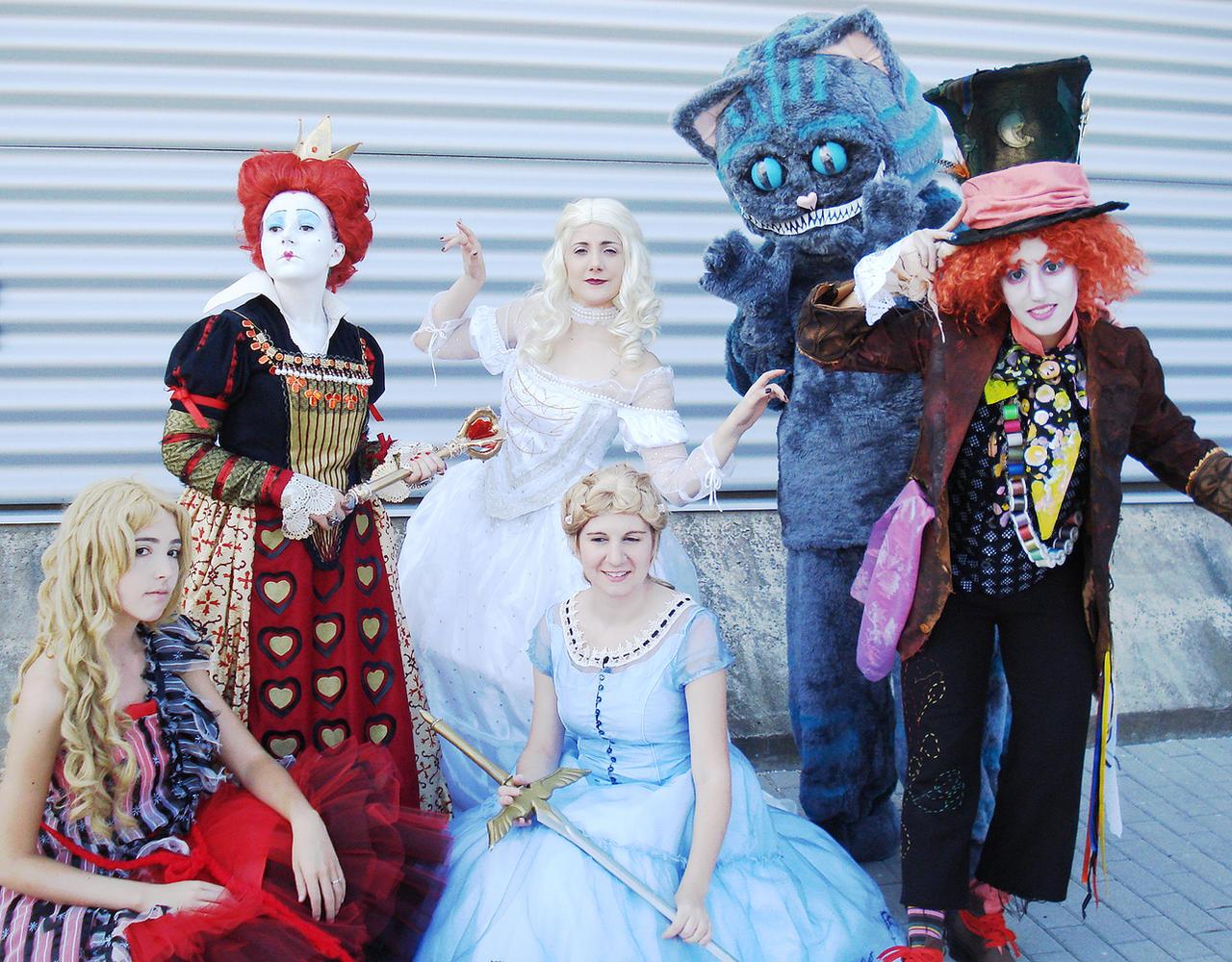 Alice In Wonderland Group 37